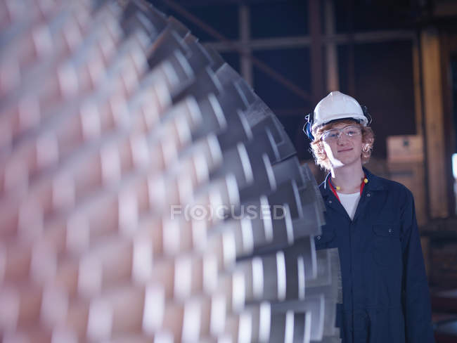 Engineer standing near Turbine — Stock Photo