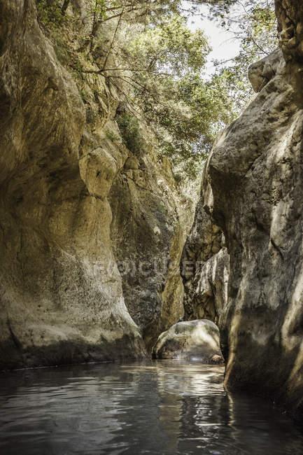 Belle vue panoramique de Potami cascades à Samos, Grèce — Photo de stock