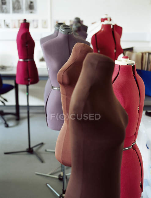 Close up of Tailors dummies in classroom — Stock Photo