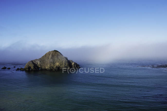 Scenic view of Island and morning mist, Elk, mendocina California, USA — Stock Photo