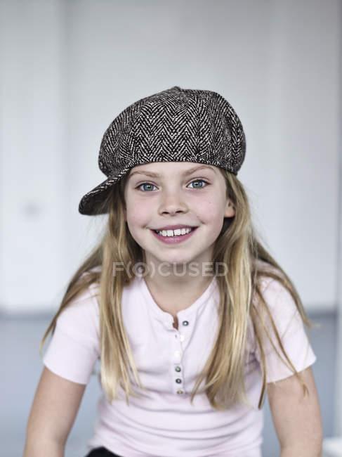 Портрет усміхнений милі дівчата Кепка Твід — стокове фото