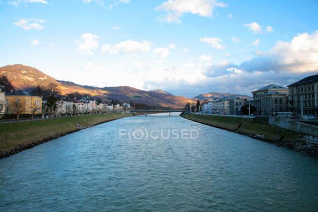 Urbaner Flusslandschaften und Kulturlandschaft — Stockfoto