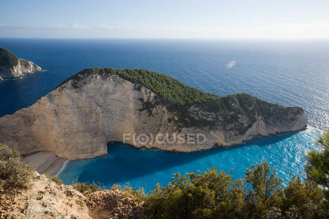 Picturesque peaceful scene with rocks and sea coast at Navagio zante, greece — Stock Photo