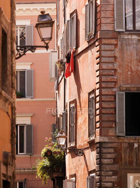 Барвистими будинками на Via v. — стокове фото