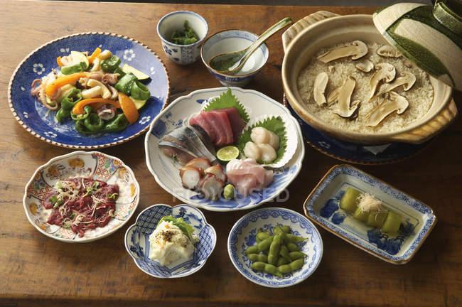 Pratos de comida asiática — Fotografia de Stock