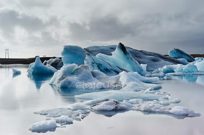 Ghiaccio sul lago ghiacciaio di Jokulsarlon — Foto stock