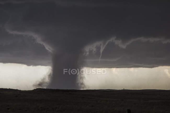 Vista de tornado muito empoeirado no Colorado — Fotografia de Stock