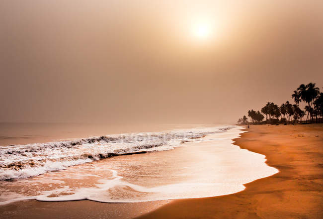 Scenic view of Beach, elmina, ghana, west africa at sunset — Stock Photo