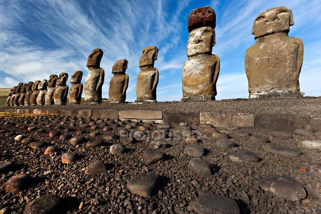 Moai statues in row — Stock Photo