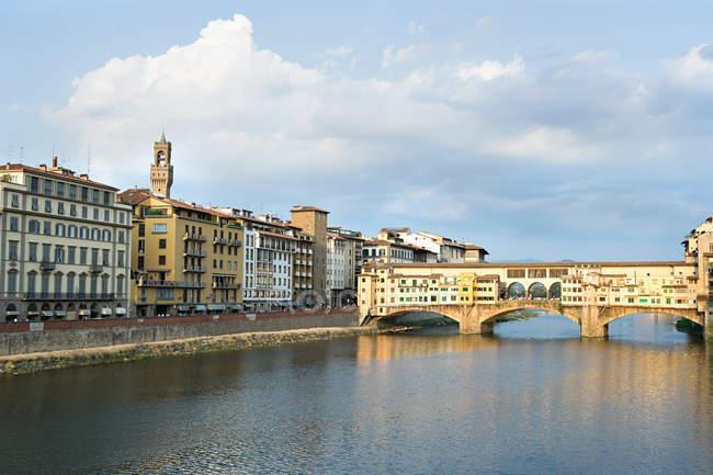 Ponte Vecchio and River Arno — Stock Photo
