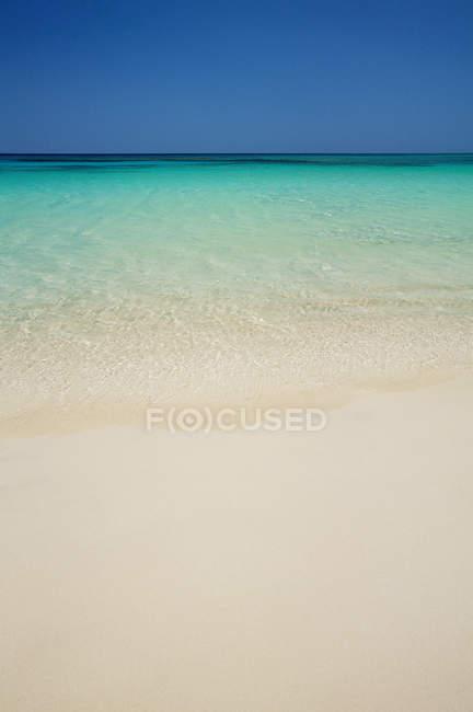 Мальовничий вид на Tabyana пляж на острові-roatan — стокове фото