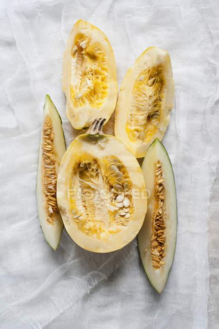 Vista superior do melão e abóbora em fatias — Fotografia de Stock