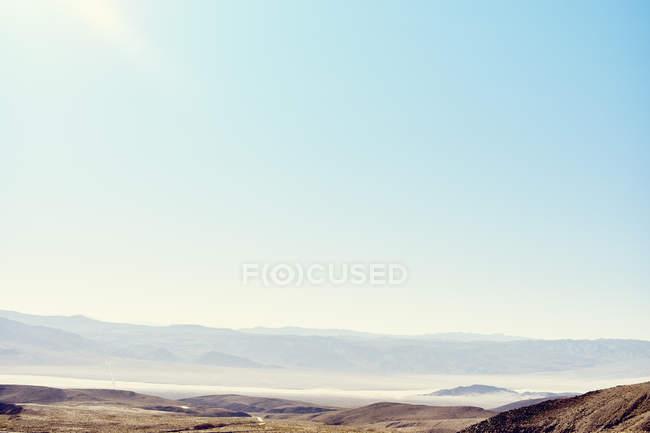 Fernblick über Death Valley Hills im Sonnenlicht, Kalifornien, Usa — Stockfoto