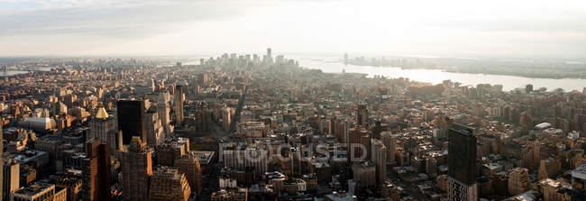 Vue des gratte-ciel de manhattan — Photo de stock