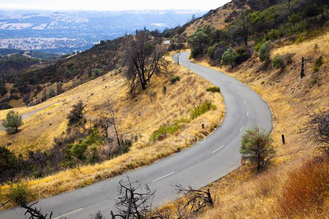 Elevated view of empty rural road, Mount Diablo, Bay Area, California, USA — Stock Photo