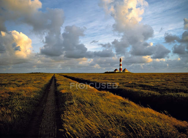 Westerhever маяк у marshland — стокове фото