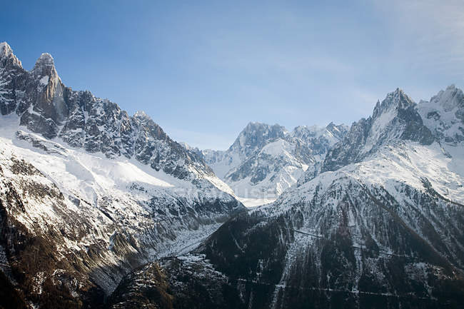 Scenic view of snow-capped mountains — Stock Photo