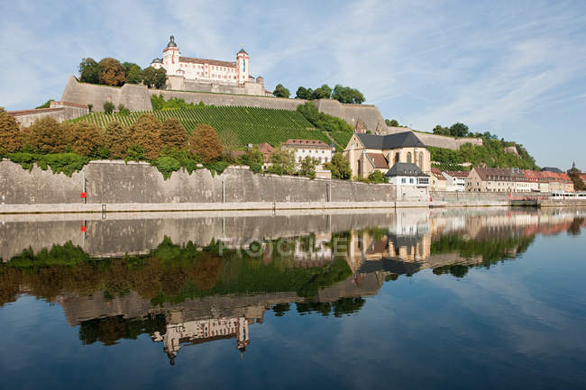 Castello e il fiume Main, Wurzburg, Germania — Foto stock