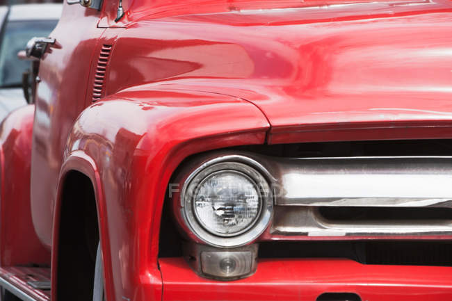 Red vintage truck — Stock Photo