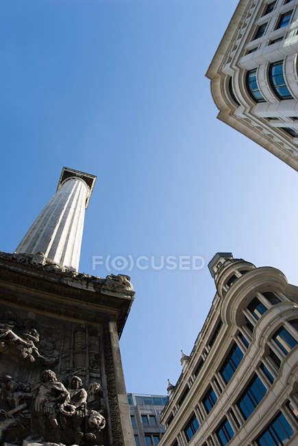Edifici e Monumento a Londra — Foto stock