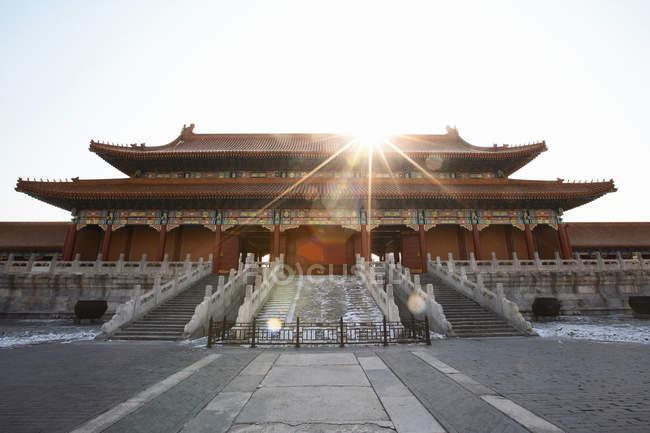 Багато прикрашений китайський будівлі — стокове фото