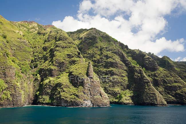 Vista panoramica dell'isola di Fatu hiva, Isole Marchesi — Foto stock