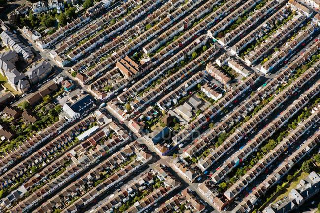 Vista aérea de las casas de brighton en la luz del sol brillante - foto de stock