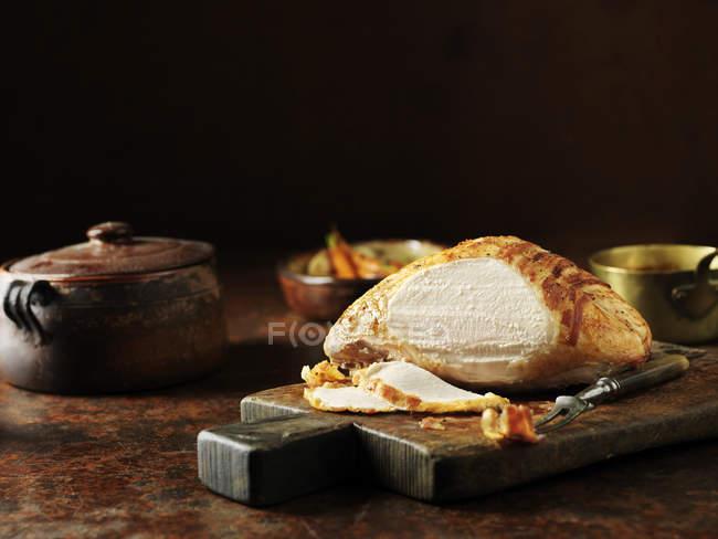 Різьблені Туреччина корону на кухонному столі — стокове фото