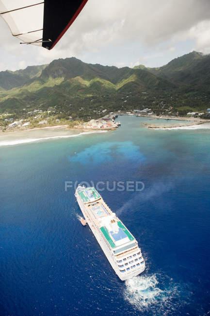 Vista de parapente de navio de cruzeiro — Fotografia de Stock