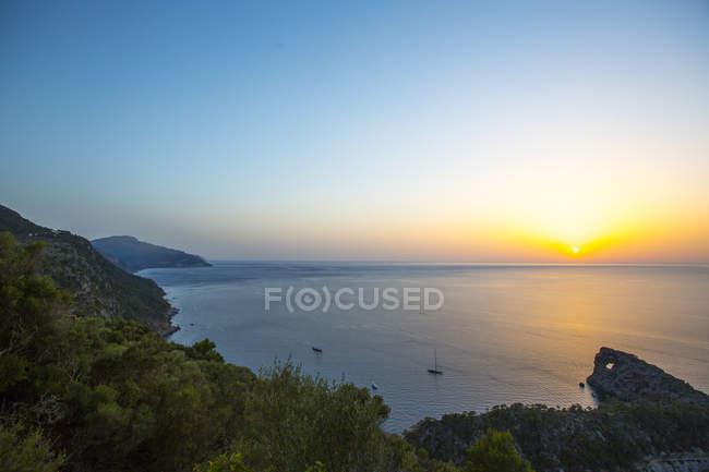 Tramonto sull'orizzonte del mare, Sa Foradada, Maiorca, Spagna — Foto stock