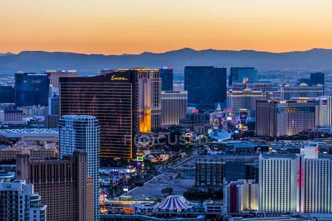 Vista aérea da Strip à noite, Las Vegas, Nevada, EUA — Fotografia de Stock
