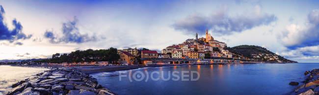 Vista panorámica de Cervo, Liguria, Italia - foto de stock