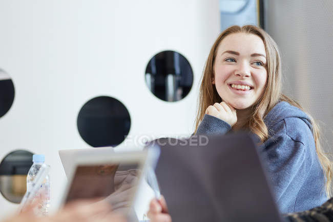 University student using laptops and digital tablet, working together — Stock Photo