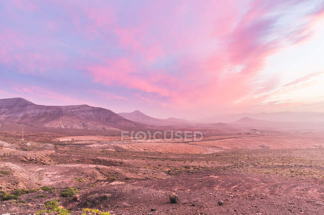 Volcanic landscape at dusk, La Oliva, Fuerteventura, Spain — Stock Photo