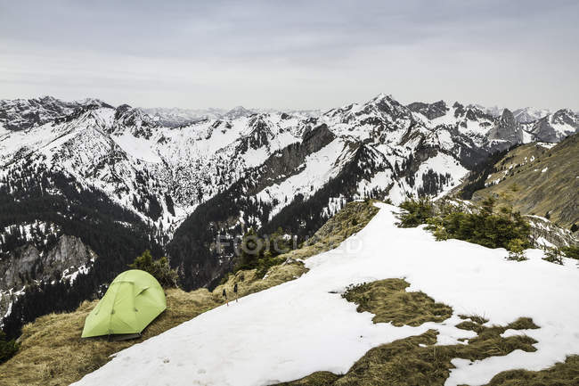 Tent perched on top of Klammspitze mountain, Oberammergau, Bavaria, Germany — Stock Photo