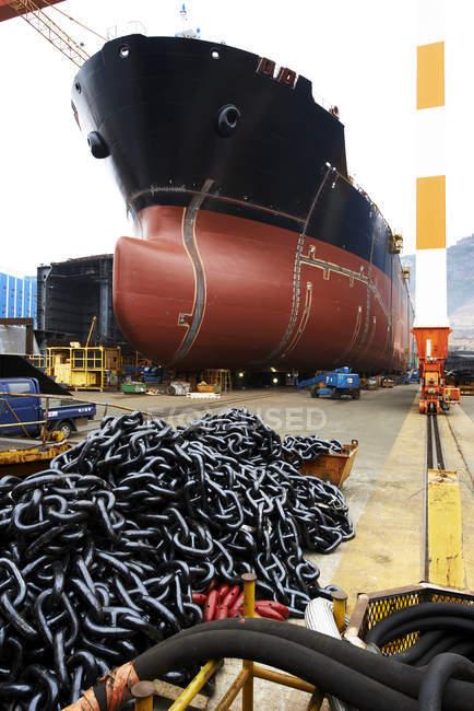 Nave in cantiere navale, GoSeong-gun, Corea del Sud — Foto stock