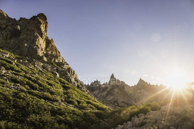 Vista panorámica de las montañas, Parque Nacional Nahuel Huapi, Río Negro, Argentina - foto de stock