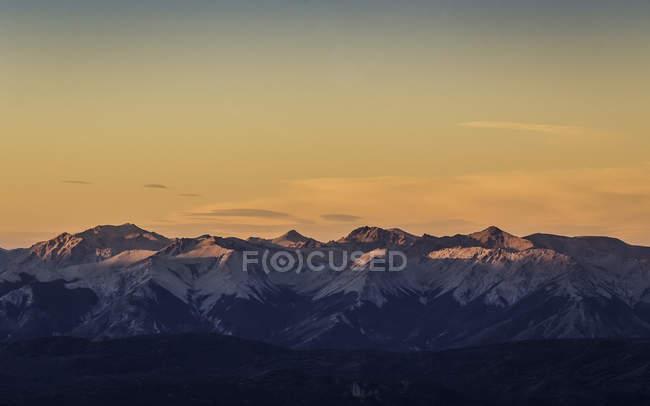 Sunset view of Andes mountain range, Nahuel Huapi National Park, Rio Negro, Argentina — Stock Photo