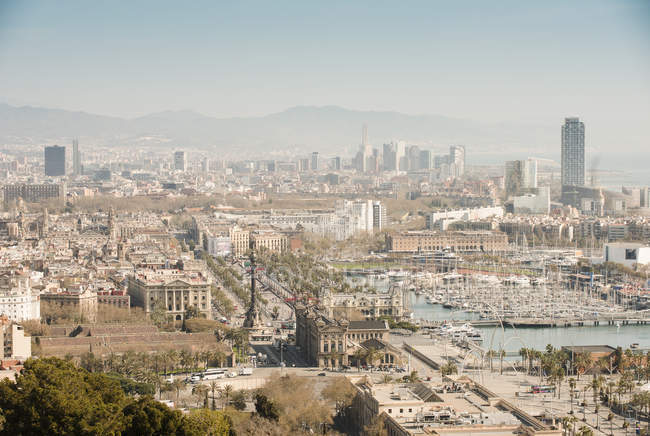 Elevated view of coastal marina and yachts, Barcelona, Spain — Stock Photo