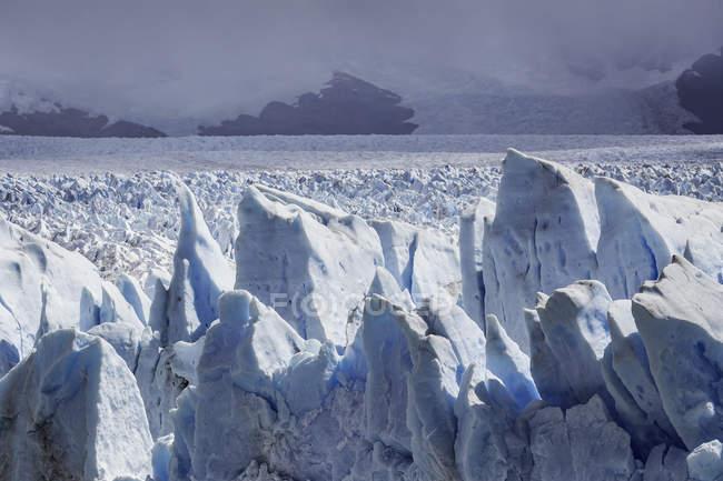 Nuvens de tempestade sobre o Glaciar Perito Moreno, Parque Nacional Los Glaciares, Patagônia, Chile — Fotografia de Stock