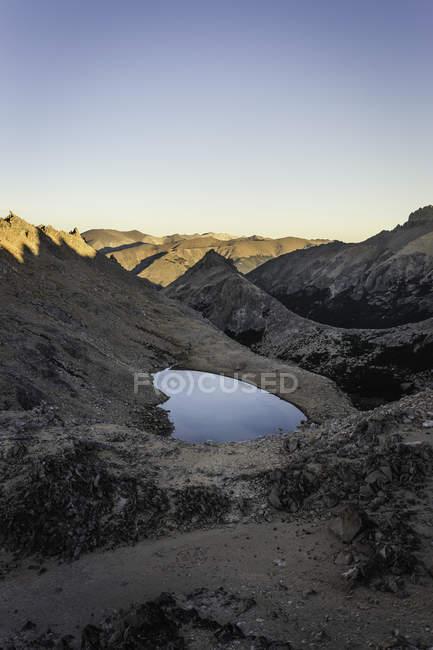 Vista do lago, na Cordilheira dos Andes, Parque Nacional Nahuel Huapi, Rio Negro, Argentina — Fotografia de Stock