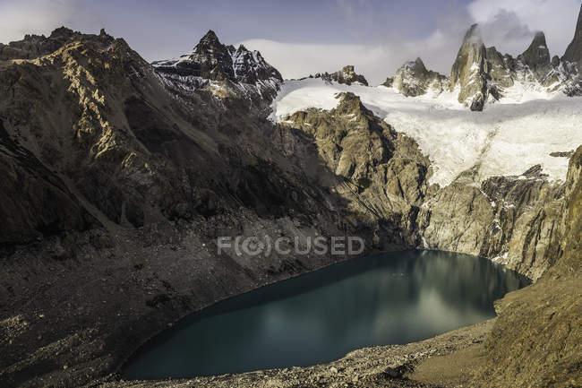 Laguna Sucia and Fitz Roy mountain range in Los Glaciares National Park, Patagonia, Argentina — Stock Photo