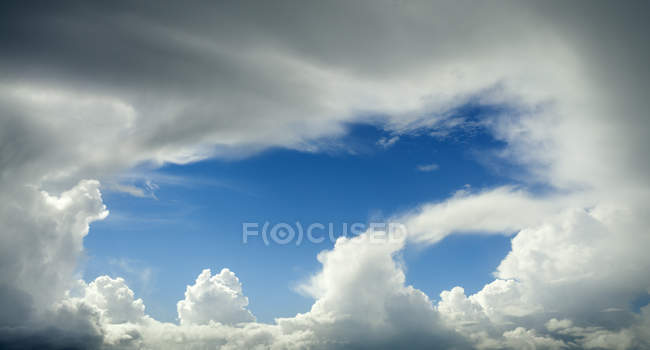 Rain clouds over the Wadden sea before hitting Friesland, Workum, Friesland, Netherlands, Europe — Stockfoto
