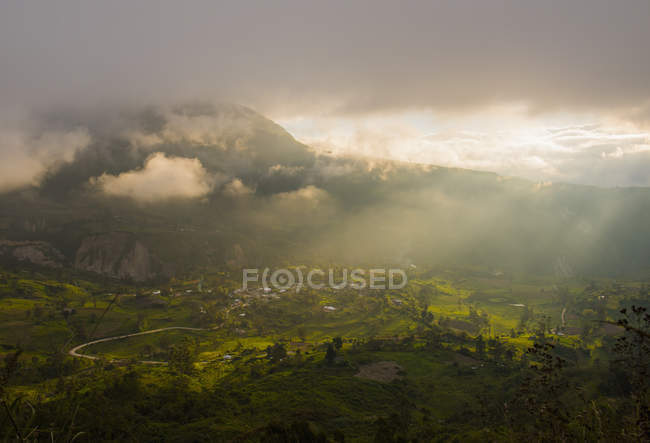 Mystic light over the valley, Ambato, Tungurahua, Ecuador, South America — Stock Photo