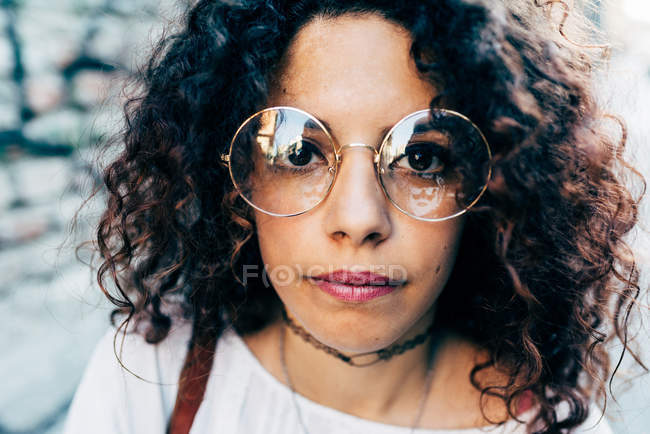 Woman in round large rimmed glasses, Milan, Italy — Stock Photo