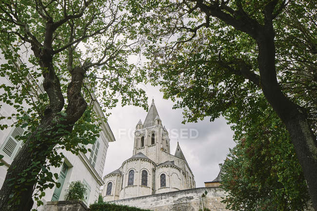 Low angle view of Collegiale Saint Ours, Loches, Loire Valley, France — Stock Photo