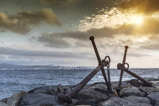 Anchors, Le Vieux Port, St Tropez, Provence-Alpes-Cote d 'Azur, France — стоковое фото