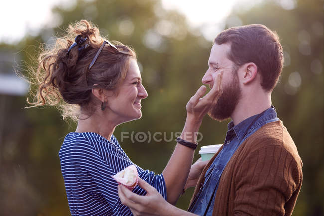 Couple on canal boat — Stock Photo