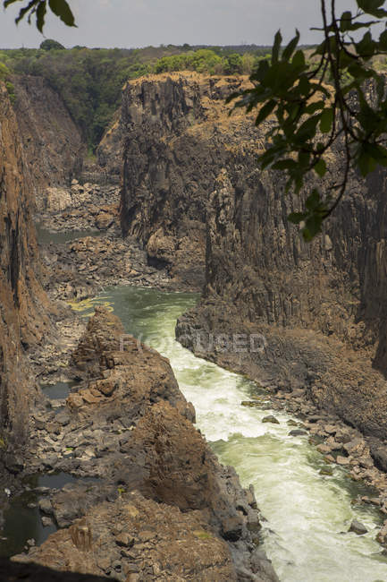 Erhöhten Blick auf Fluss-Schlucht in Victoria Falls, Simbabwe, Afrika — Stockfoto
