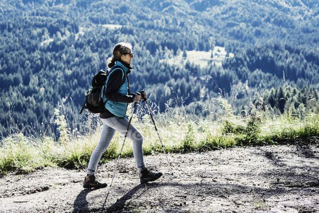 Escursioni femminili, Madonna di Pietralba, Trentino-Alto Adige, Italia, Europa — Foto stock